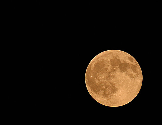 Moving to the Moon? Scientists Say Moon Can Hold Water
