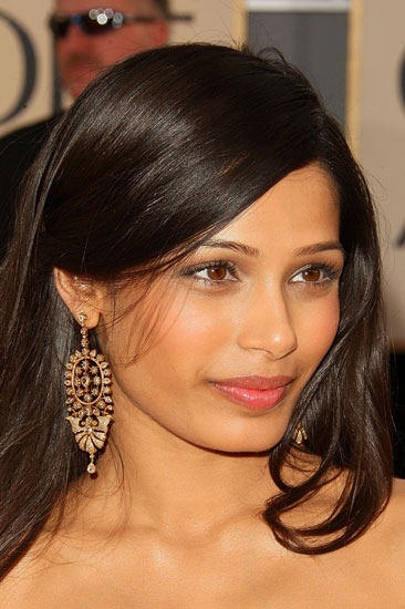 How To Do Freida Pinto's Makeup at the Golden Globe Awards