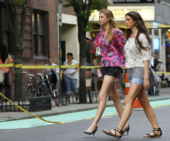 Photo Slide of Whitney Port In NYC with a Friend