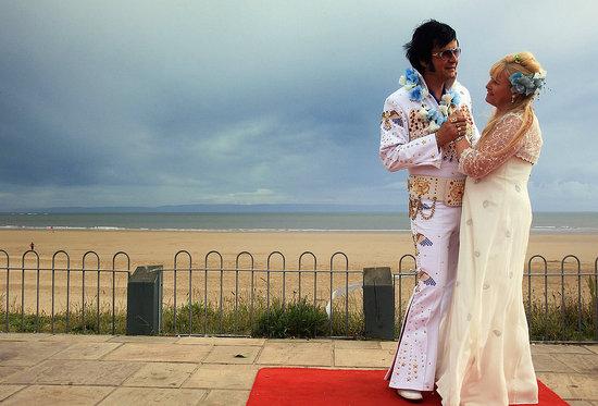 Oh Snap! Wedding Dreams Come True in Blue Hawaii