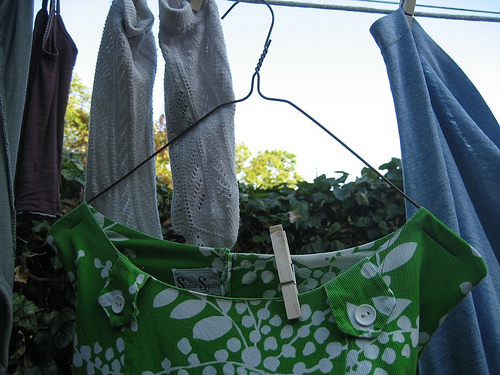 DIY: Upcycled Clothespin Bag