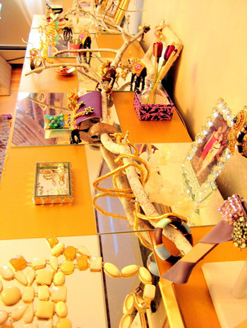 DIY: A Tree Branch Jewelry Stand