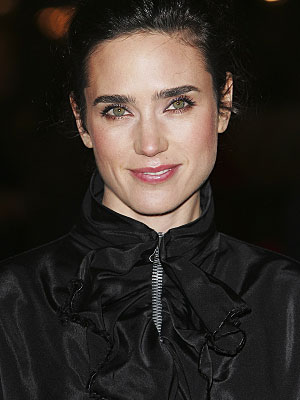 'Jennifer Connelly' from the web at 'http://media3.popsugar-assets.com/files/users/0/2/10_2007/73084336.jpg'