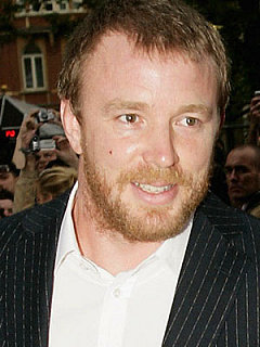 'Guy Ritchie' from the web at 'http://media3.popsugar-assets.com/files/users/0/2/11_2007/52969655.xlarge.jpg'