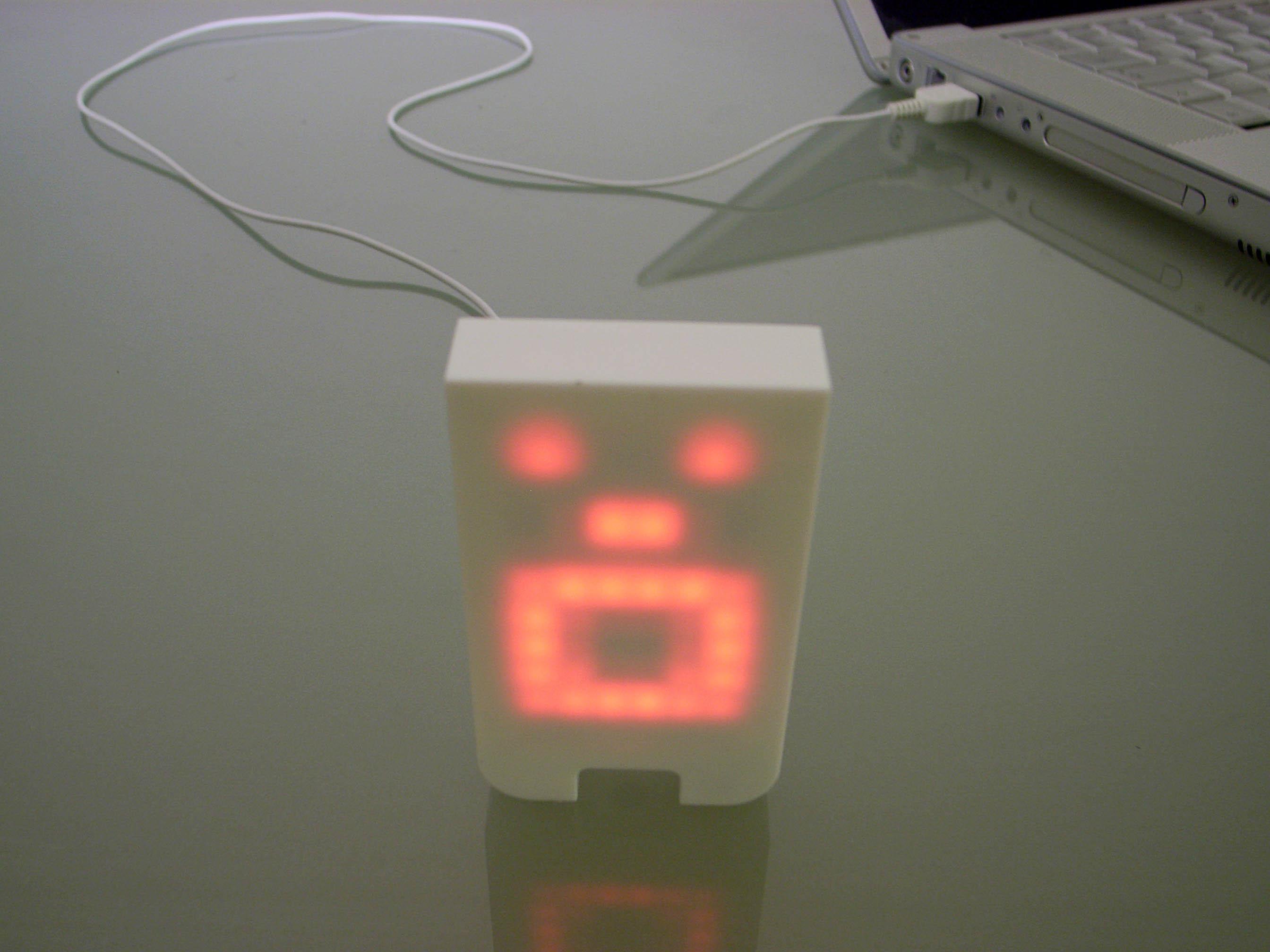 Mr. Tengu: Robot-like Desk Accessory Gets Moody