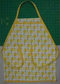 Yummy Links: From Dishtowel Aprons to Ilan Hall