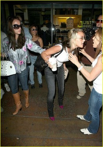 """Jamie Lynn Defends Britney """"Move the F*** Out!"""""""