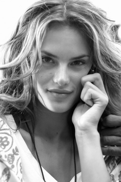 Model of the Week: Alessandra Ambrosio