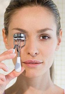 How To:  Using an Eyelash Curler