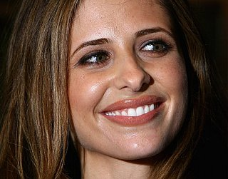 How To: Get Sarah Michelle Gellar's Lovely London Look