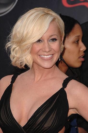 Love It or Hate It? Kellie Pickler's American Music Awards Look