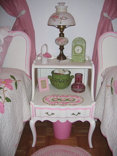 Vintage Bedside Table Makeover