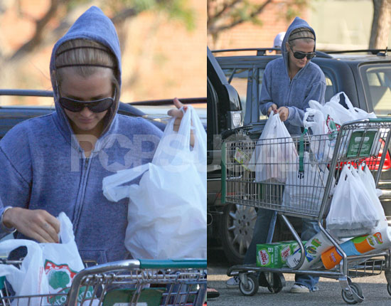 Ashlee Packs Grocery Baggage Far From Pete's Car