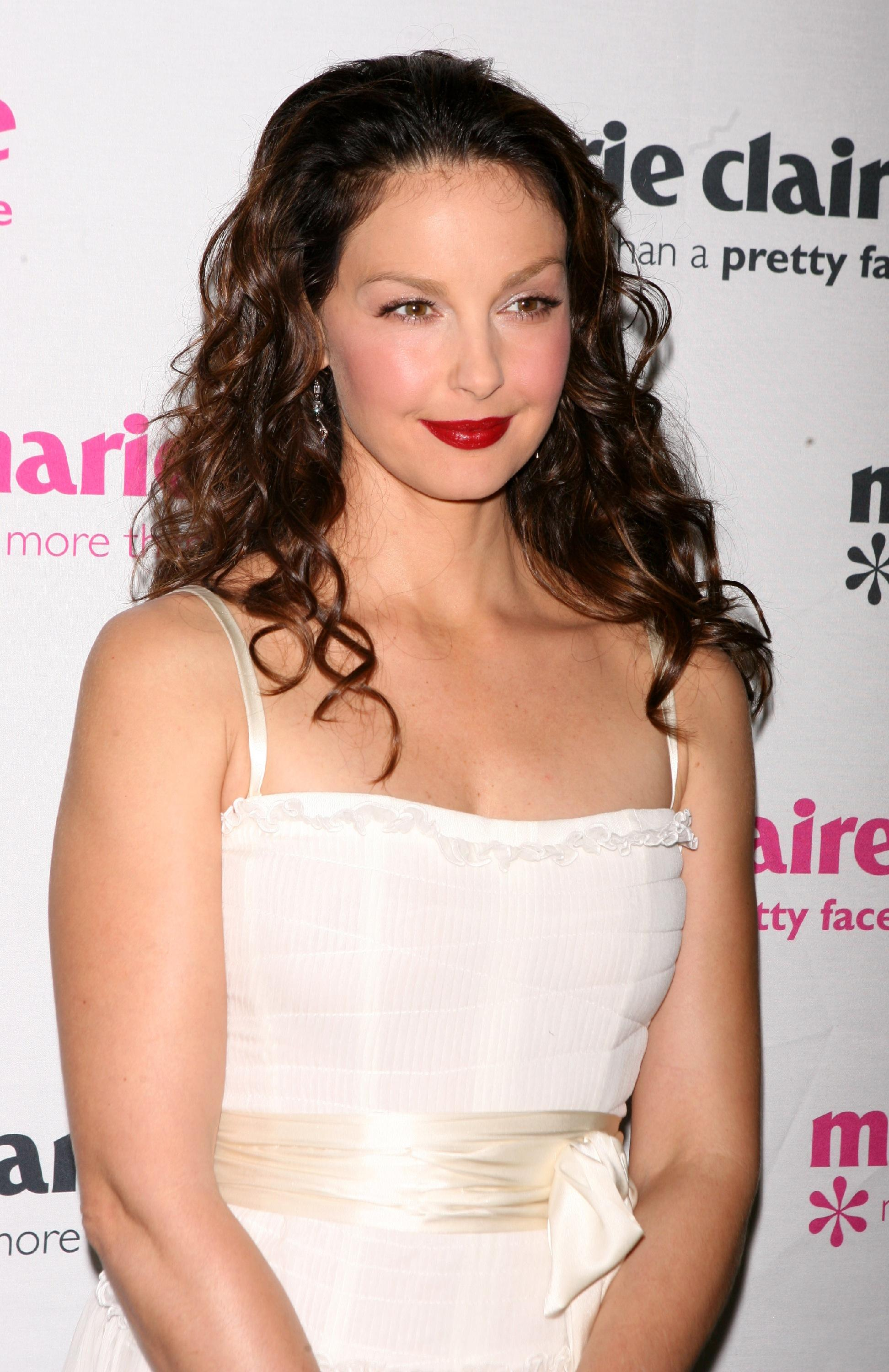 ashley_judd_09_wenn965345