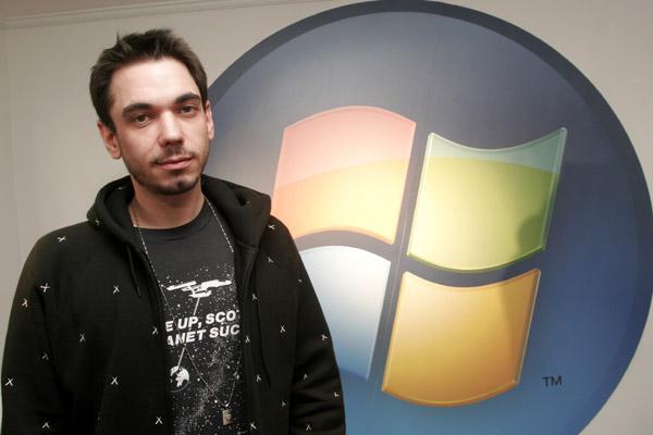 Eva, Molly Sims and Friends Support Microsoft's Vista