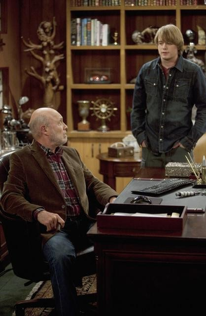 Hector Elizondo and Christoph Sanders in ABC&#039;s Last Man Standing.