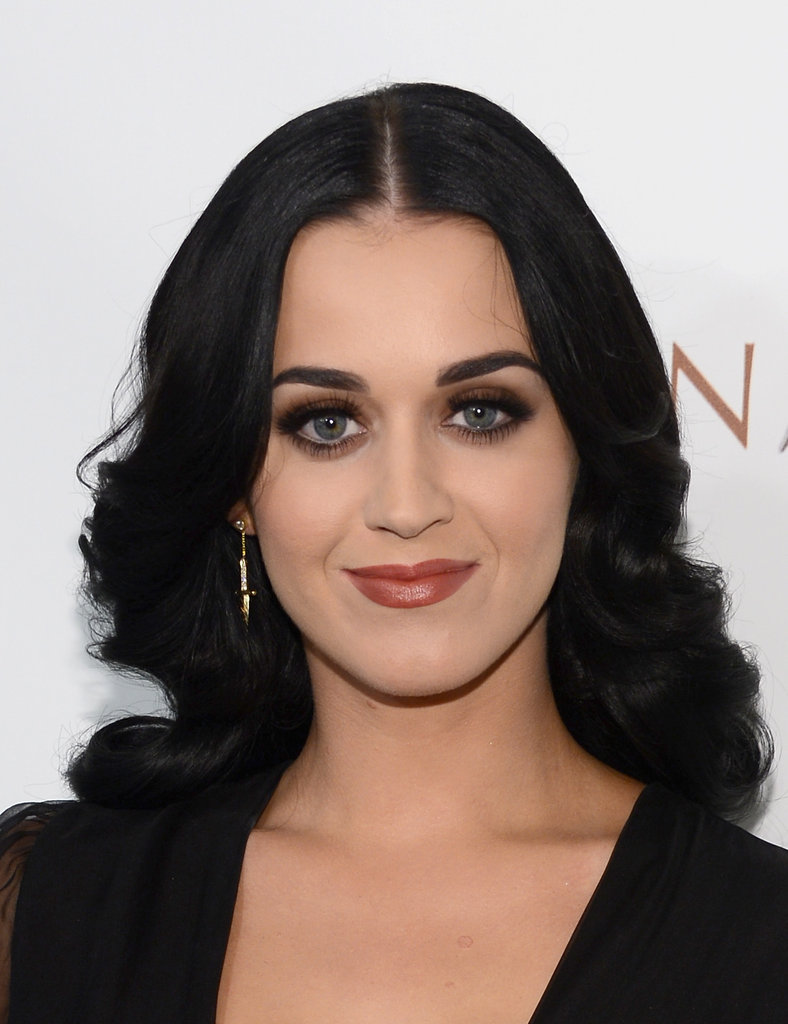 The Smoky Eye Game Is Strong With These Celebs-2667