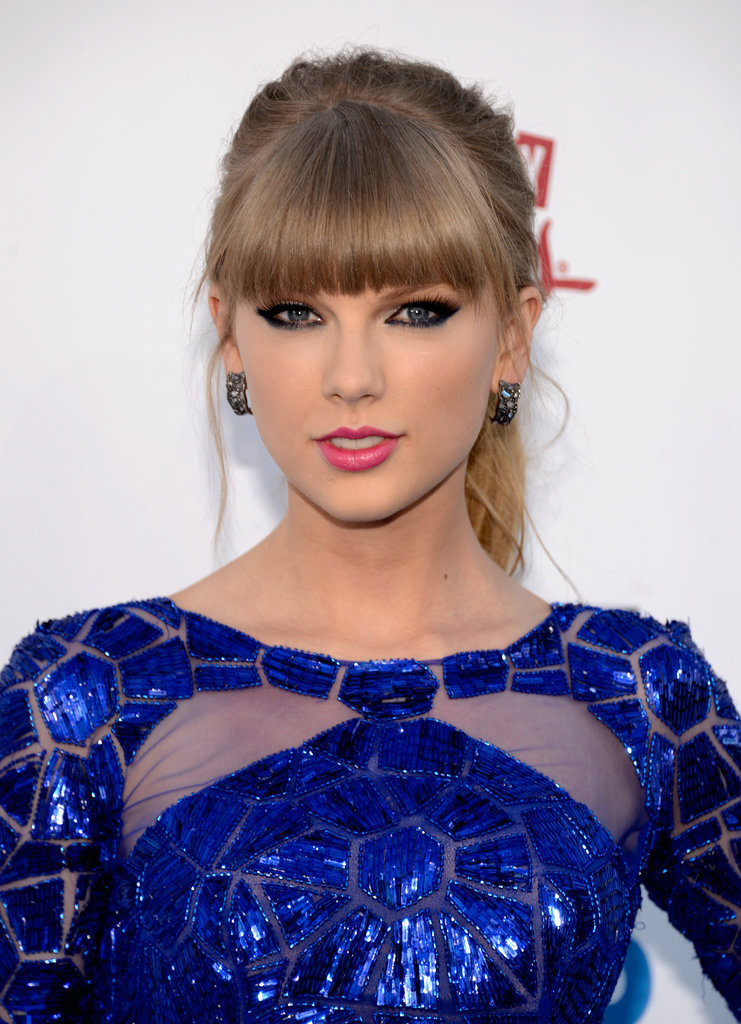 Royal blue dress what color eyeshadow