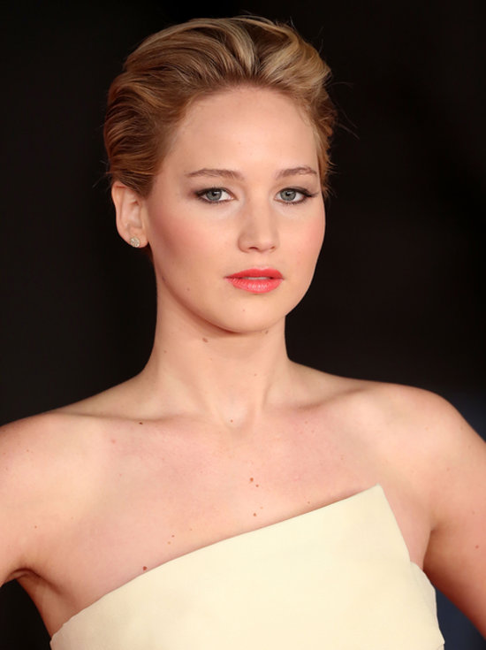 Awesome Jennifer Lawrence39S Short Hair On Catching Fire Red Carpet Short Hairstyles Gunalazisus