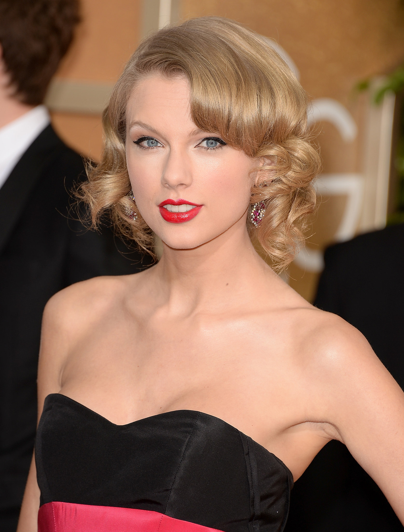 Taylor Swift nue, le hacker dclare avoir 6 photos ! fan2
