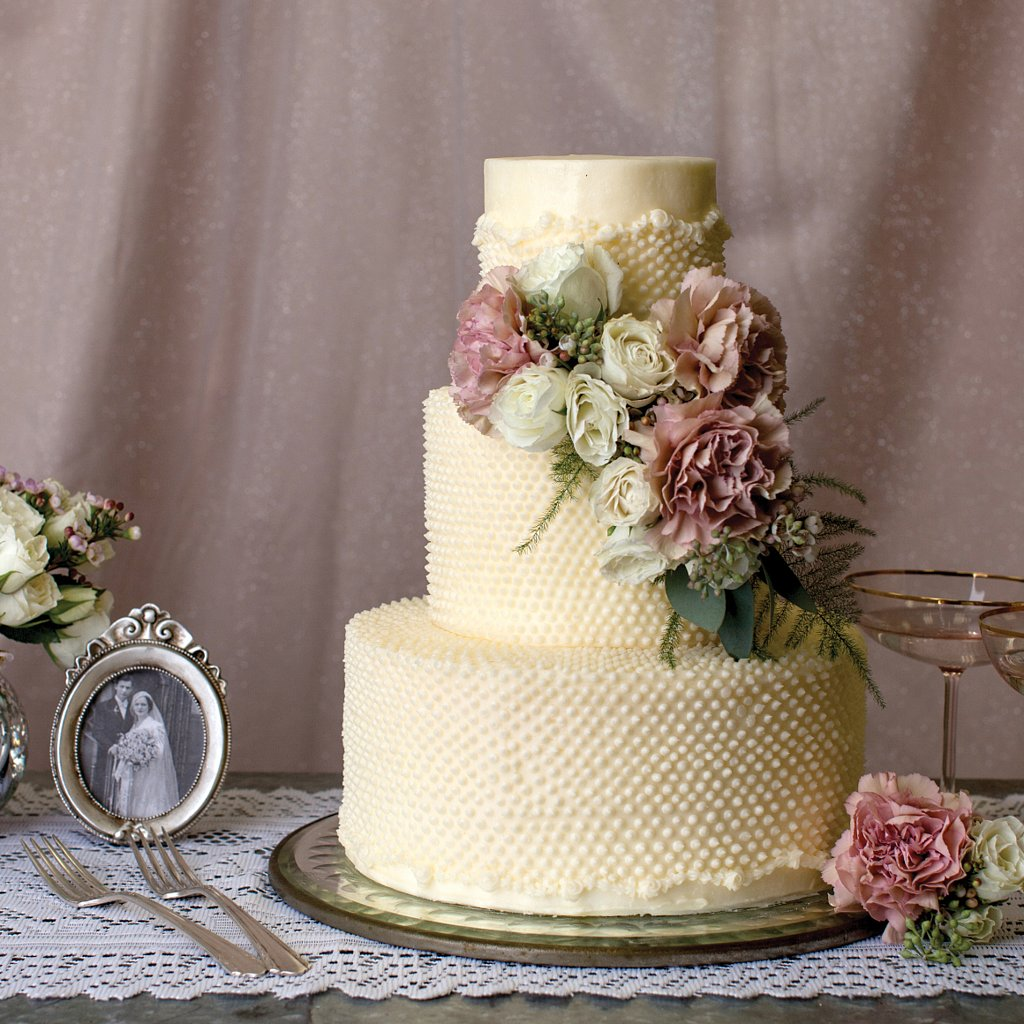 types wedding cakes wedding cake icing types popsugar food 21393