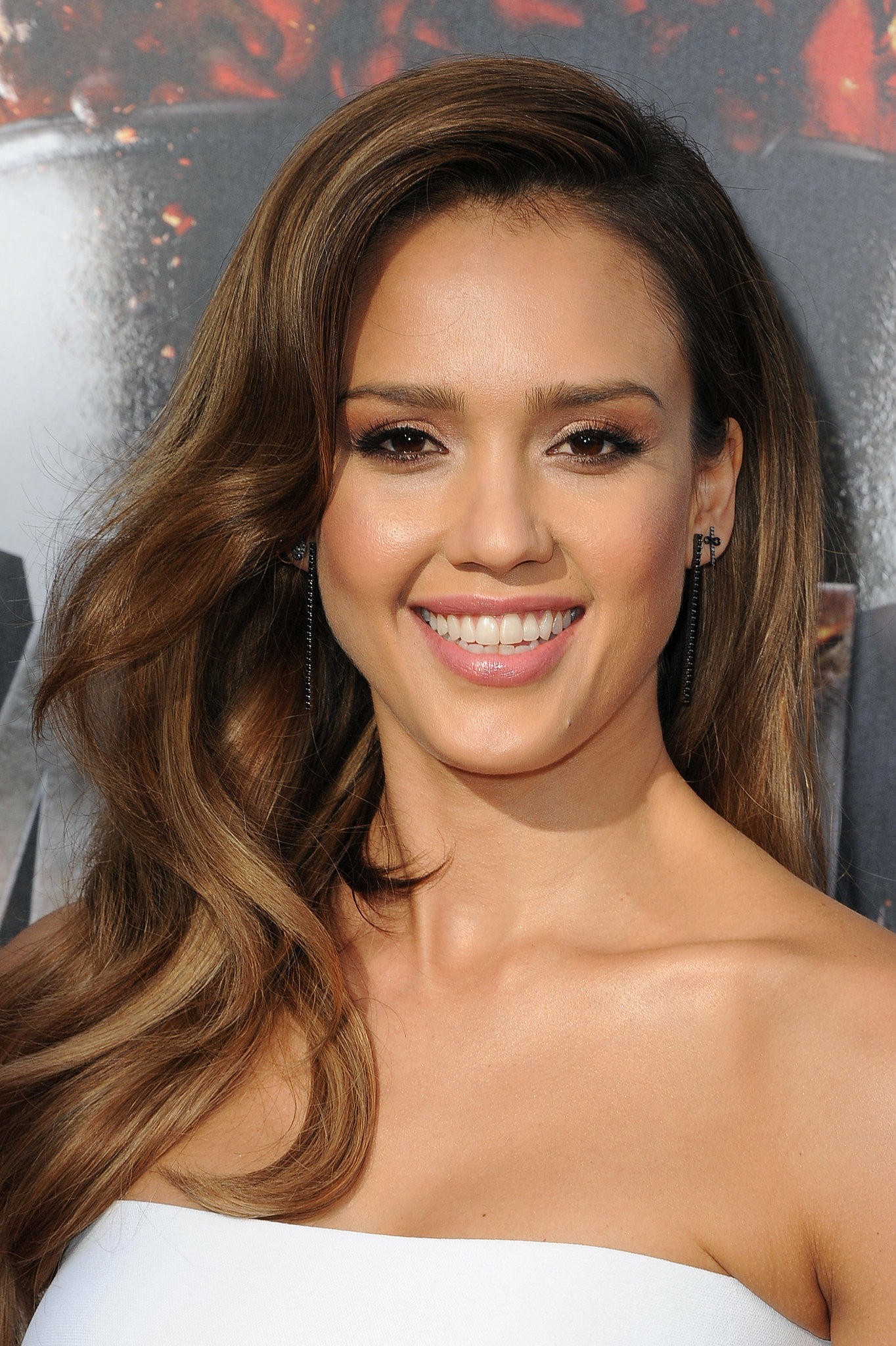 Jessica Alba's Hair and Makeup at MTV Movie Awards 2014 ...