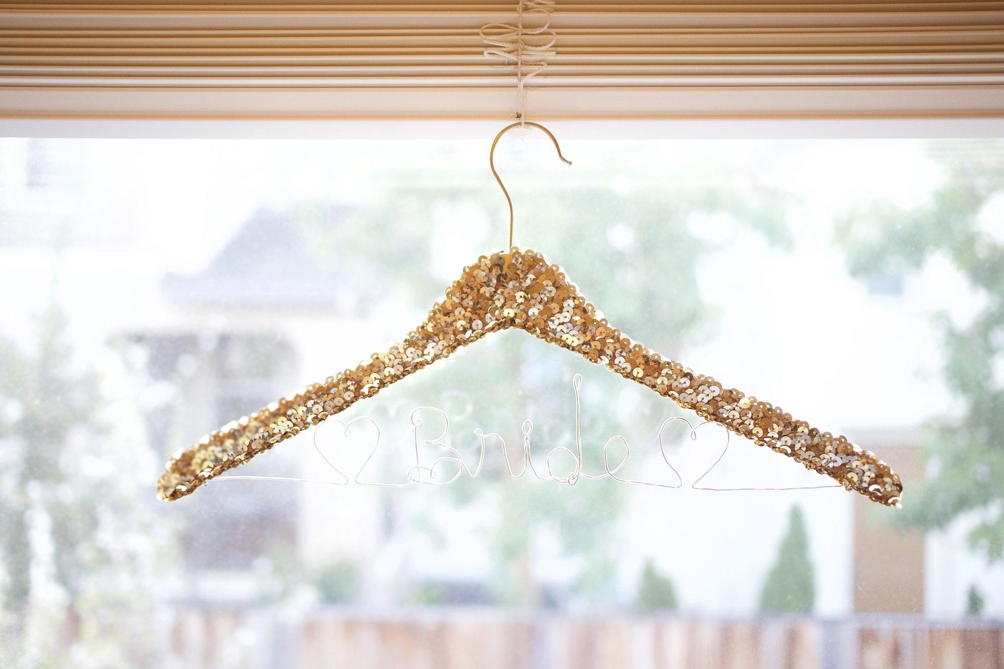 how to make wedding hangers