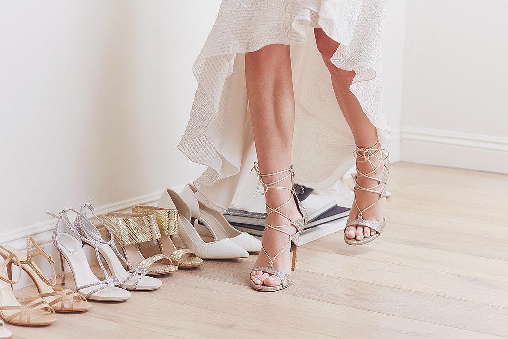 alasan-dilarang-memakai-sepatu-di-dalam-rumah
