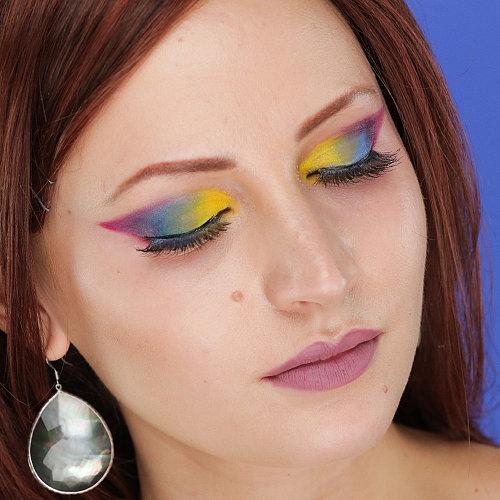 Rainbow Eye Shadow Inspiration | Video