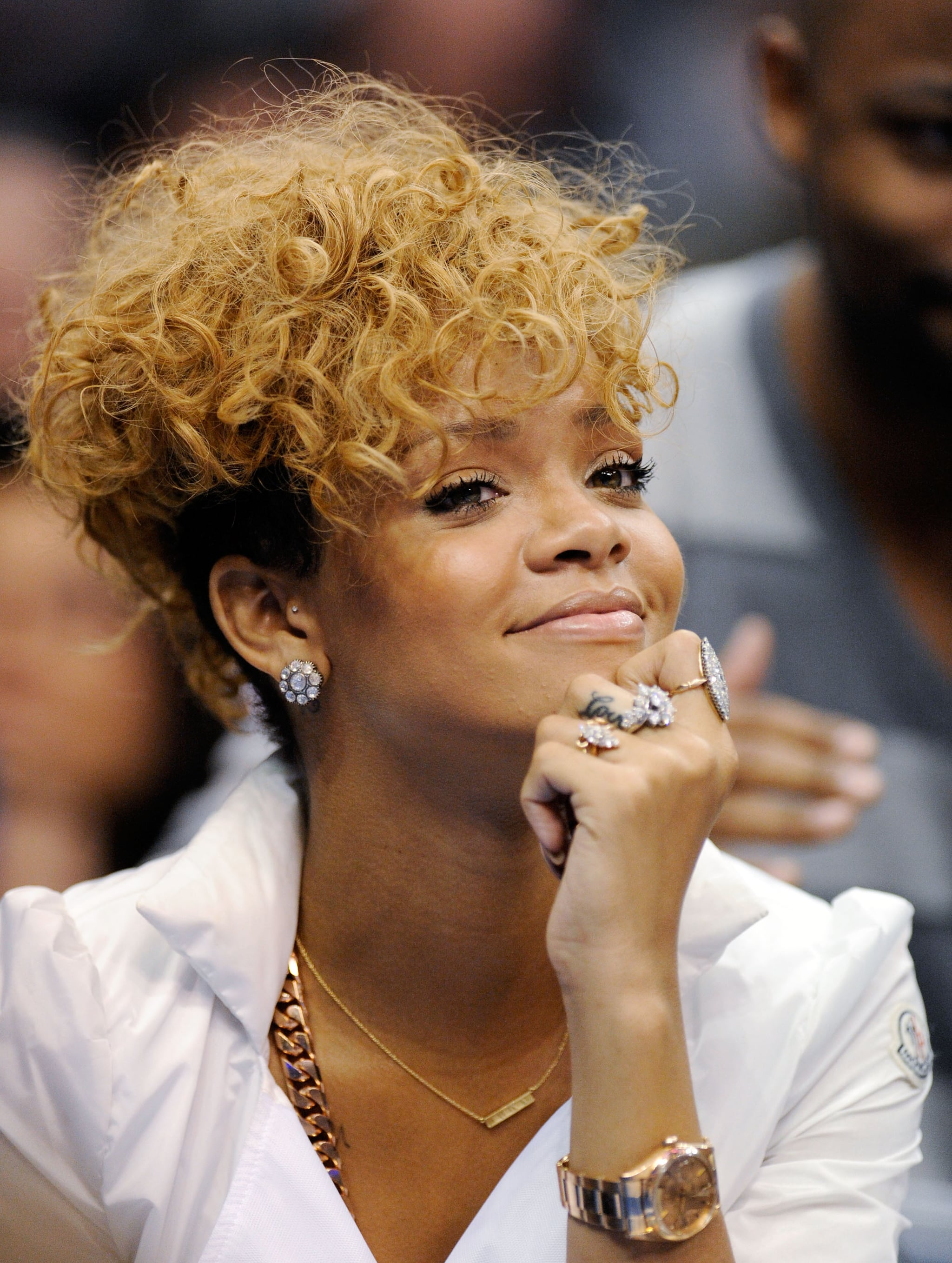 rihanna hair style rihanna and matt kemp at a lakers popsugar 6140