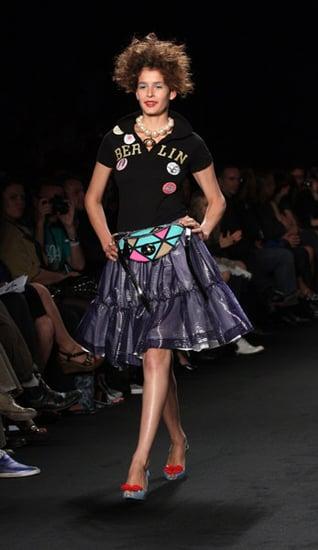 Vivienne Westwood Anglomania Catwalk Fashion Show ...
