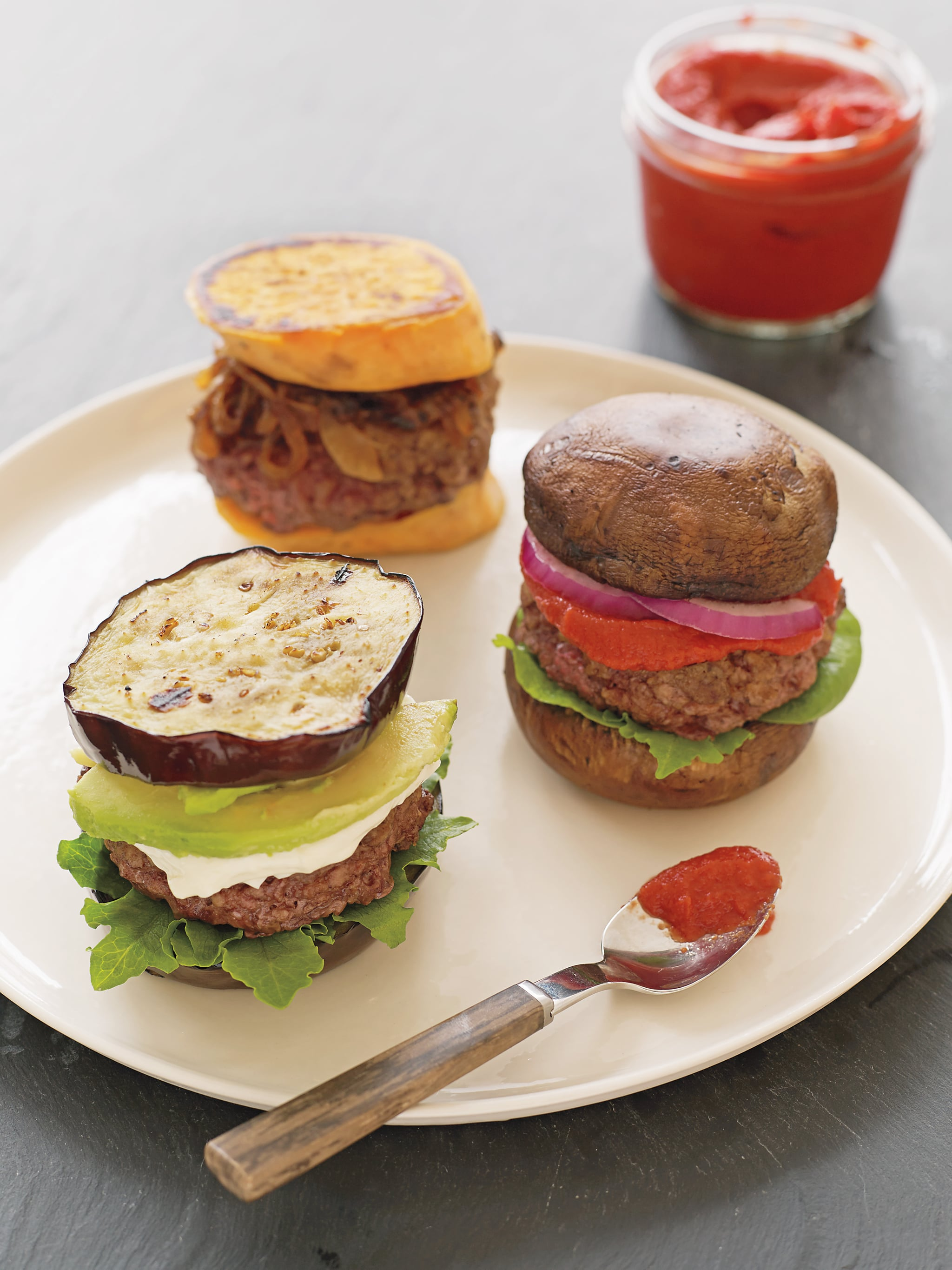 This 5-Ingredient Whole30 Burger Is Perfect For Clean Eating