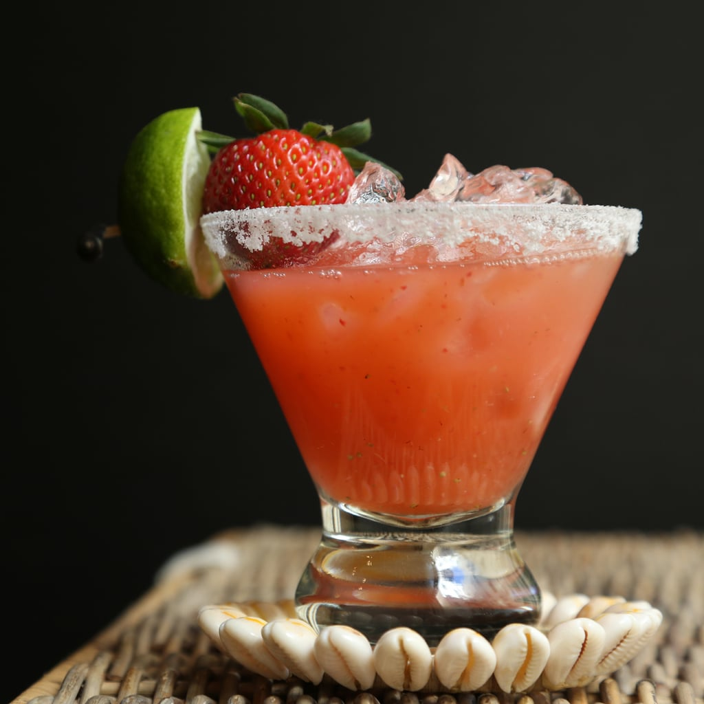 How to make strawberry margaritas on the rocks