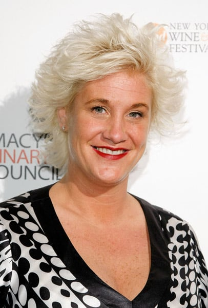 Chef Anne Burrell Is The Ultimate 'Food Feud' Judge - YouTube