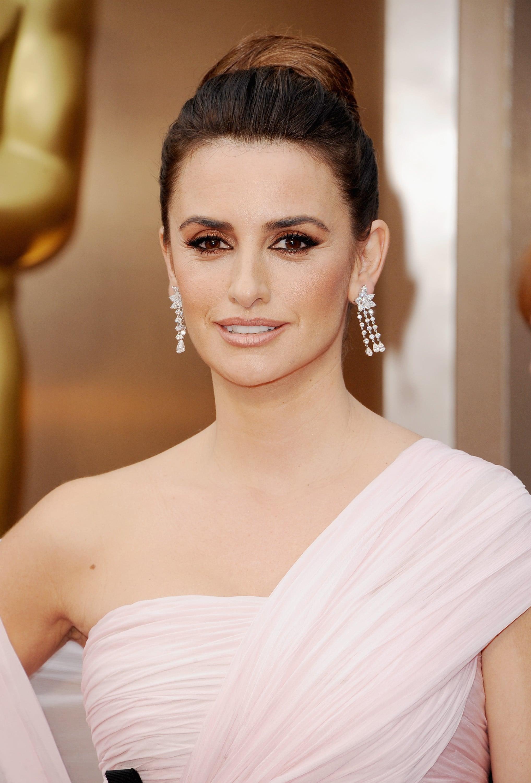 Penelope Cruz Hair and Makeup at Oscars 2014 | POPSUGAR Beauty Penelope Cruz